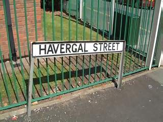 Structures Photographs - Picture of Bent street sign in havergal street runcorn cheshire